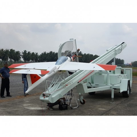 Low speed tow target drone